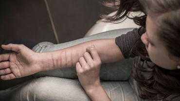 UNDERSTANDING ADOLESCENTS' SELF-HARM
