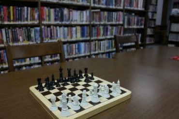 School Chess: Battles without Violence